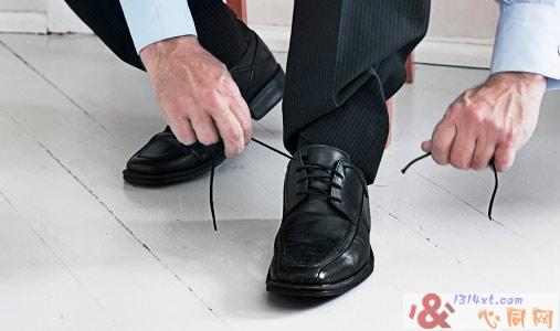 男性皮鞋的选购技巧