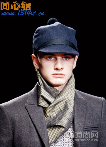 秋冬围巾的六种系法